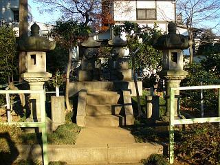 20051125勝海舟墓.JPG