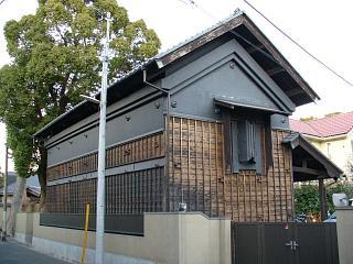20051225黒い蔵.JPG