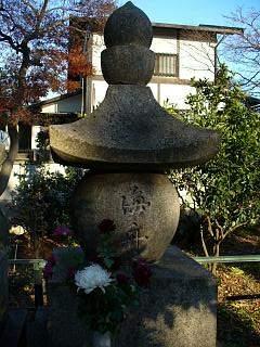 20051225勝海舟墓.JPG