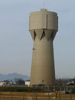 20060104綾瀬市給水塔.JPG