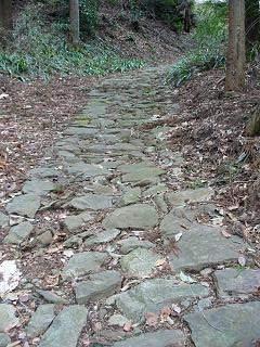 20060318甲州街道石畳.JPG