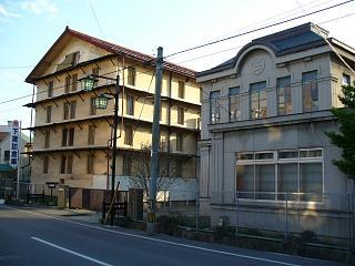 20060503下諏訪の倉庫.JPG