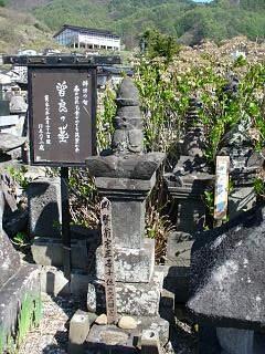 20060503曾良墓.JPG